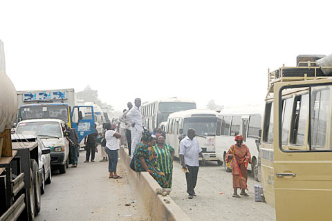 Lifting of ban on interstate travel: We're sitting on a  ticking time bomb  — Nigerians