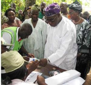 Chief-Obasanjo-voting-in-Ab