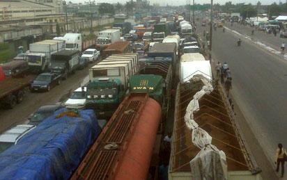 The traffic on Apapa-Oshodi Expressway, Friday. Photo: Adekunle Aliyu.