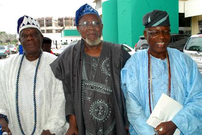 From left:  Oba Adedayo Olaloko Shobekun, Alhaji Kola Animasaun, and Engr Abiodun Adenekan, during the public presentation/ launching of the Voice of Reason Volume 2, by Alhaji Kola Animasaun, in Lagos. Photo: Kehinde Gbadamosi
