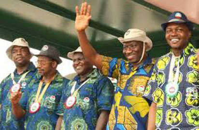 President Goodluck Jonathan (2nd right), with Labour leaders and Labour minister, Emeka Wogu (left)