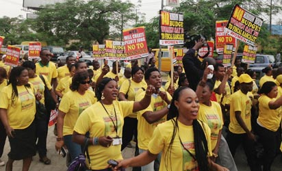 A cross section of Nigerian women under the aegis of Women Arise for Change Initative, protesting against N40 billion allocated for the building of First Lady House, at Lagos House, Alausa, Ikeja, Thursday. Photo: Bunmi Azeez.