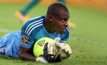 Kanu offers to bring Enyeama back to Eagles