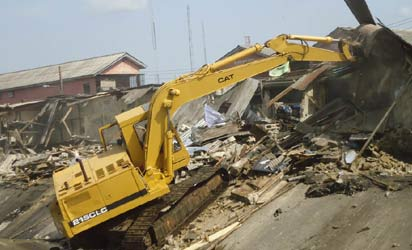 A bulldozer at work in Ladipo
