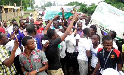 Students Of Moshood Abiola Polytechnic, Abeokuta, in a peaceful protest over the nationwide strike embarked upon by Academic Staff Union of Polytechnics (ASUP) in Abeokuta on Thursday (27/6/13).