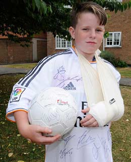 Double fracture ... footie fan Charlie Silverwood, 11