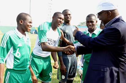 SUPPORTIVE... Cross River State governor, Liyel Imoke being introduced to members of the Golden Eaglets team before a match in Calabar. The Manu Garba-tutored side will tomorrow commence their final preparation for the FIFA U-17  World Cup in Turkey later in the year.