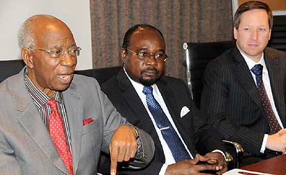*L-R: Emeritus Professor of Medicine, University of Ibadan, and Chairman, Pfizer Cardiovascular Scientific Advisory Board, Professor Oladipo Akinkugbe; with the guest  speaker and Professor of Medicine/Chief of the Division of Endocrinology, Diabetes and Metabolism, University of Tennessee Health Service Centre, Memphis, USA, Professor Samuel Dagogo Jack and Country Manager, Pfizer Nigeria and East Africa, Mr. Carl Engleman, at the 6th Cardiovascular Summit held last week at the Intercontinental Hotel, Victoria Island, Lagos.