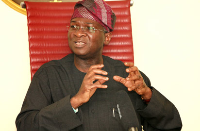 Fashola directs TCN to reconstruct Ugwuaji rural roads to calm monarchs
