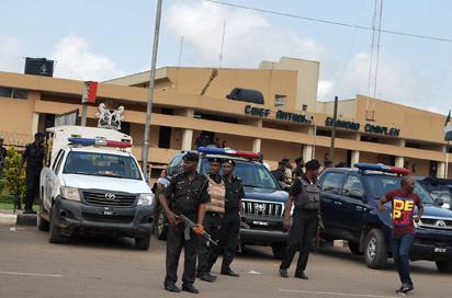 EDO ASSEMBLY CRISIS—Police at the Edo State House of Assembly as the crisis in the House continued, yesterday. Photo: Barnabas Uzosike.