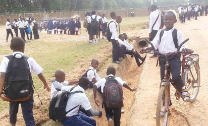 STUDENTS OF AHMADU BELLO UNIVERSITY DEMONSTRATION SECONDARY SCHOOL SENT OUT FOR DEFAULTING IN SCHOOL FEES AT SAMARU-ZARIA IN KADUNA STATE ON FRIDAY
