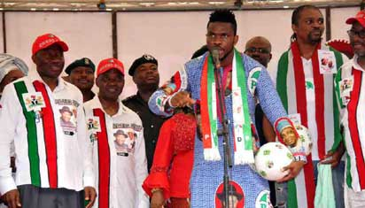Rivers-born Joseph Yobo addressing the crowd