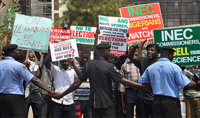 The protesters at the INEC headquarters