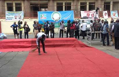 APC prepares red rug for Buhari