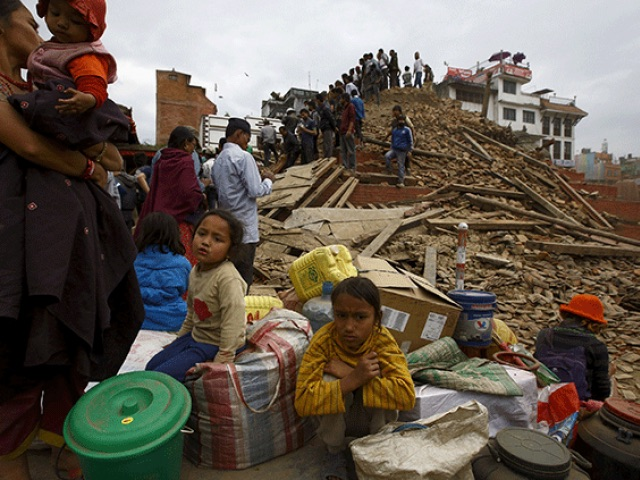 Death toll from Nepal earthquake passes 1,200