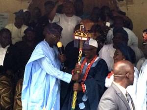 Fashola presents staff of office to new Ayangburen of Ikorodu, engr Kabiru Adewale Shotobi