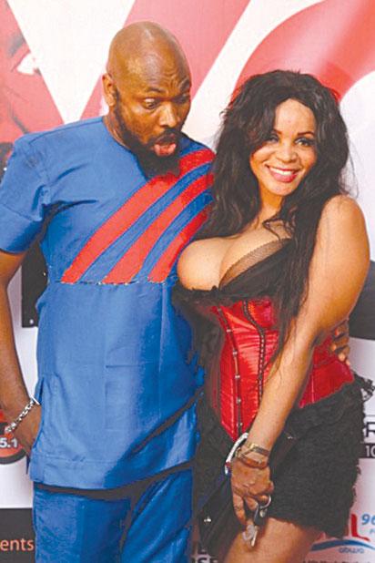 Niger boobs
