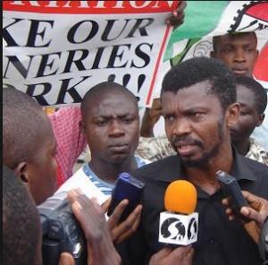 Late Comrade Chima Ubani addressing journalists