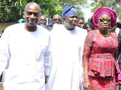 Lagos State Governor, Mr. Akinwunmi Ambode (middle), his wife, Bolanle (right) and Mr. Segun Awolowo, during the Lying in State of late Hannah Idowu Dideolu Awolowo, at the Awolowos' residence in Park Lane, Apapa, Lagos, on Sunday, November 15, 2015.