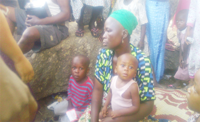 •Mother of the deceased Mrs. Wurimotu Sikiru with the children