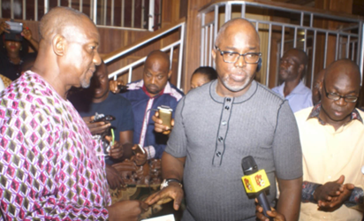 NFF President Amaju Pinnick on Thursday led a delegation of some eminent persons in the country's football to commiserate with the family of Nigeria legend Stephen Keshi, who died on Wednesday.