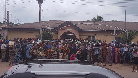"""Wife of the General. Overseer, Redeemed Christian Church of God,RCCG, Pastor Mrs. Folu Adeboye distributes food stuffs to widows at her """"Old International Office"""", Redemption Camp, Lagos-Ibadan Expressway."""