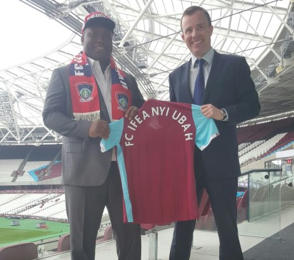 Proprietor, FC Ifeanyi Ubah, Dr. Ifeanyi Ubah (L) at the signing of the partnership deal with West Ham United