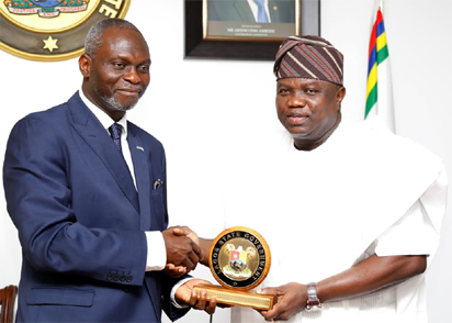 Lagos State Governor, Mr. Akinwunmi Ambode (right), presenting a State plaque to President, Nigerian-British Chamber of Commerce, Prince Dapo Adelegan during a courtesy visit to the Governor, at the Lagos House, Ikeja, on Tuesday, October 25, 2016.