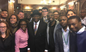 Ex-President Goodluck Jonathan with some students at Oxford