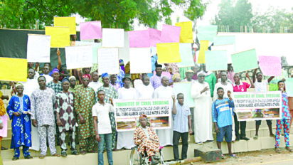 *Protesting members of Abule Oki and other affected communities