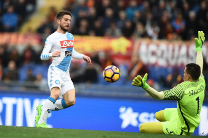 Mertens at the double as Napoli conquer Roma