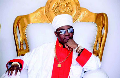 Market women laud Oba of Benin for laying curses on traffickers, others