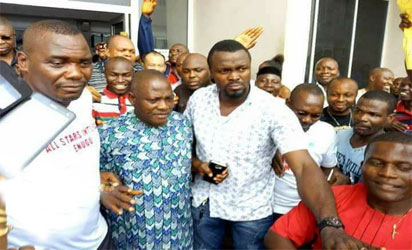 Innoson given a heroic welcome in Enugu after his alleged illegal arrest by EFCC