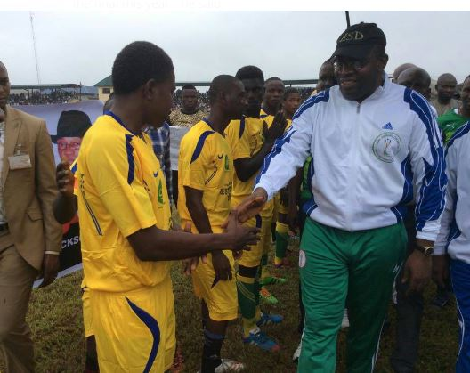 Governor Seriake Dickson meets with the participating teams during the Dickson Football Cup tournament