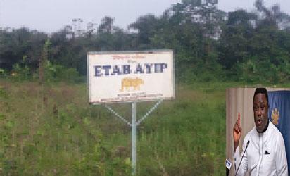 Entrance of Etap Ayip, Kasuk Iiqua Clan. inset: Governor Ayade
