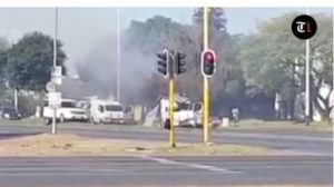 Video: South African robbers in dramatic broad daylight cash van heist
