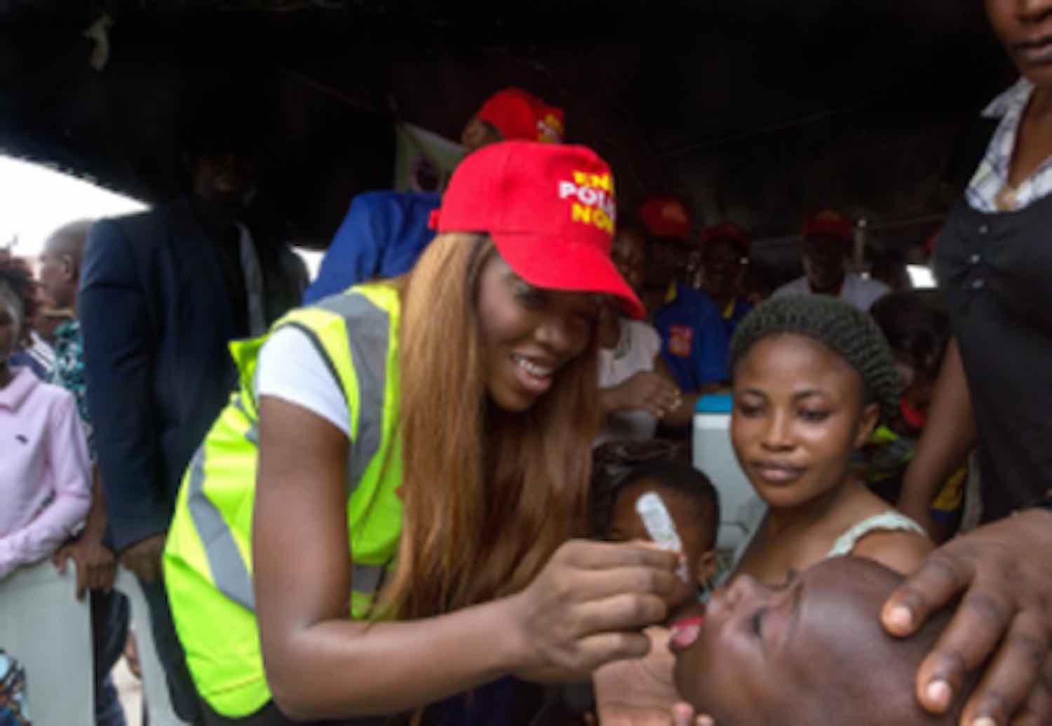 Polio, Tiwa Savage immunising a child against polio.