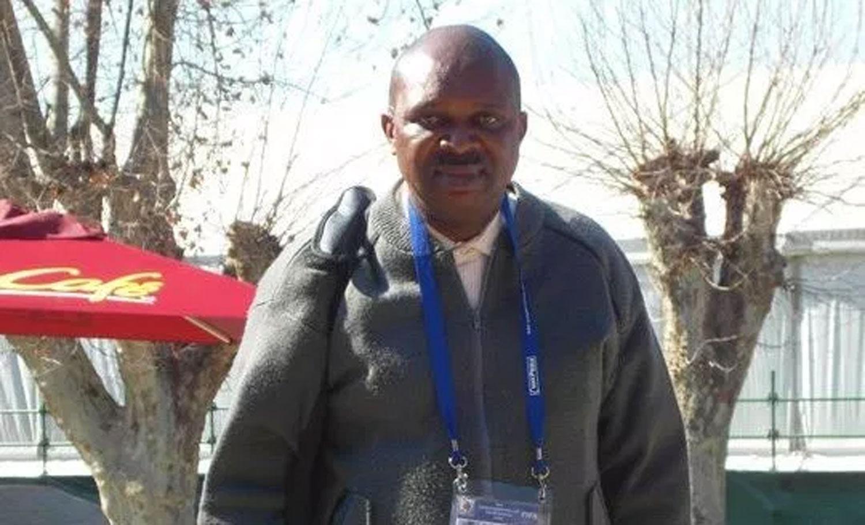 AMAC boss honours late veteran sports journalist, Oyebanji