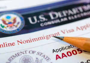 COVID-19: US entices foreign medical professionals with 'express' visa appointment