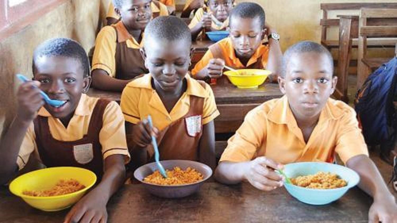 Worry, as FG spends N679m daily on  feeding schoolchildren during lockdown