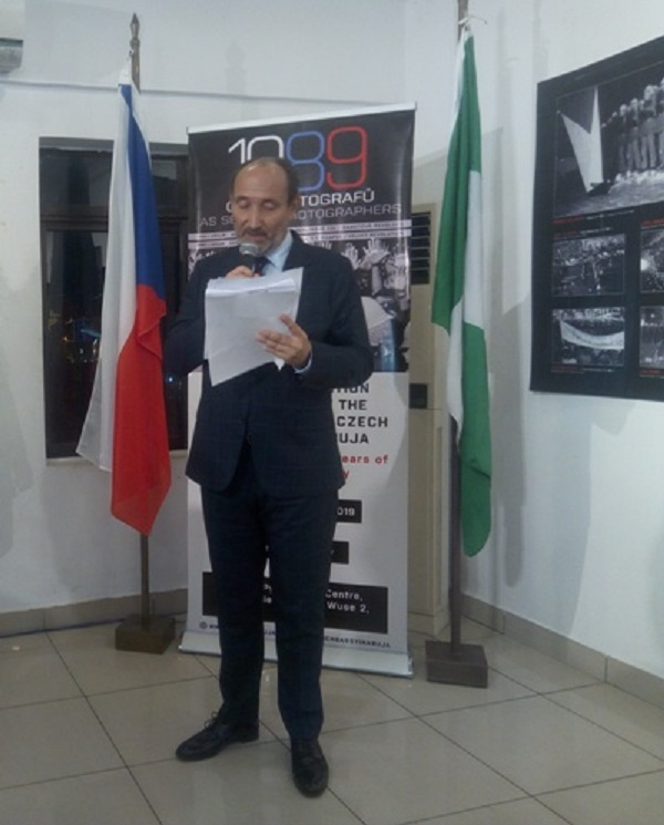 Photo exhibition commemorating 30-years of Democracy in Czech Republic debuts in Abuja