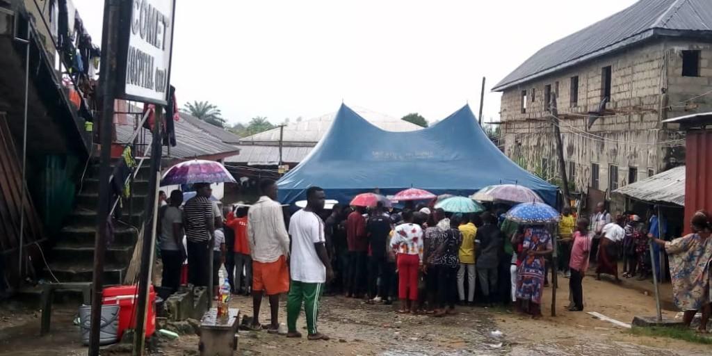Bayelsa decides: Video, Photos, voters under rain to cast vote