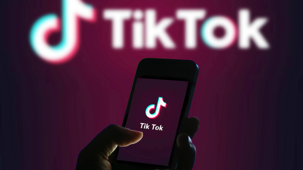 US vs China: Trump says will ban TikTok in America