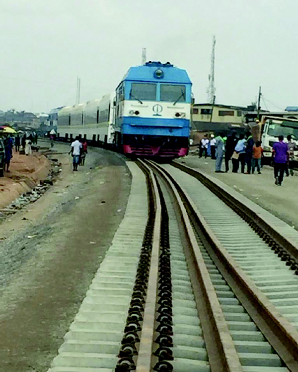 LASG shuts Costain road for rail project