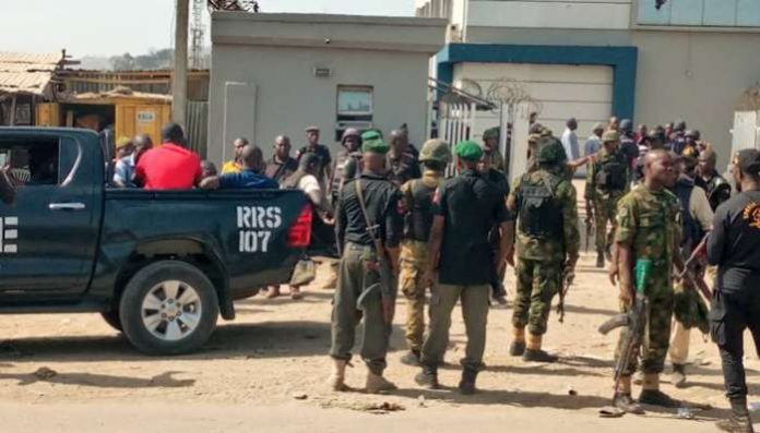 Bank robbery: FCT Police recover pistols, car, others from suspects