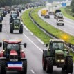 Dutch farmers block highways with tractors, angry at EU rules on pollution