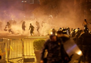 Violent clashes erupt in Beirut between Shiite protesters, police