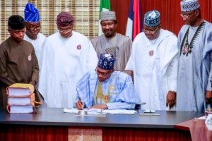 President Muhammadu Buhari signs budget