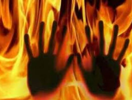 Mob set suspected armed robbers ablaze in Osun