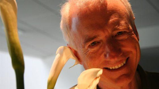 Larry Tesler: Computer scientist behind 'cut-copy-paste' dies at 74